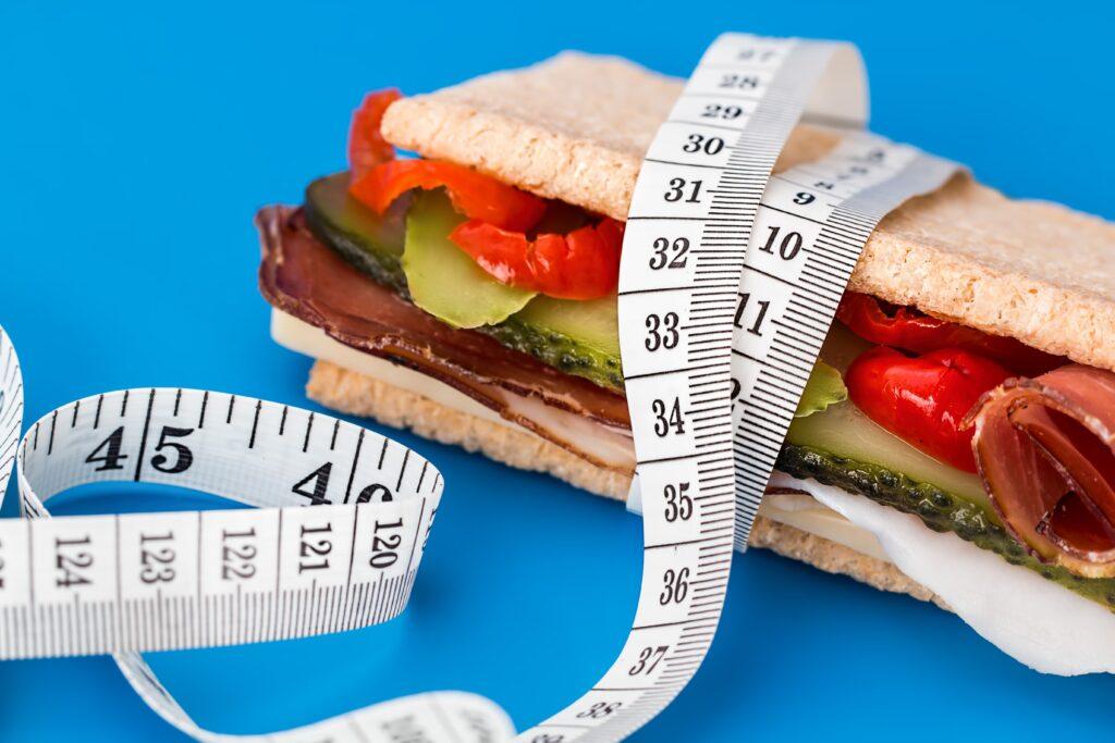 uglevody-na-minimum-kremlevskaya-dieta-scaled.jpg